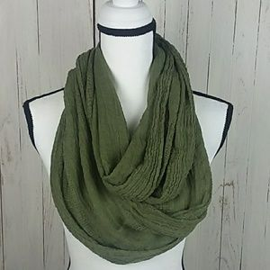 Accessories - 🌸Infinity lightweight knit army green scarf